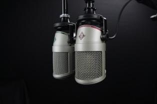 microphone-772577_1920